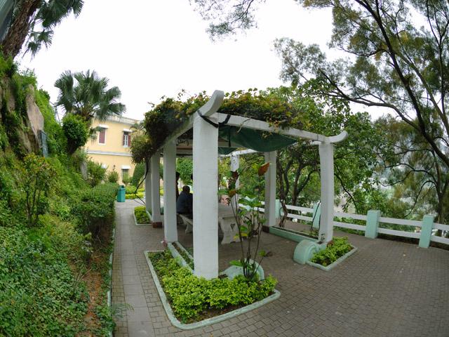 Dra. Laurinda M. Esparteiro Viewing Platform (Cross Garden)