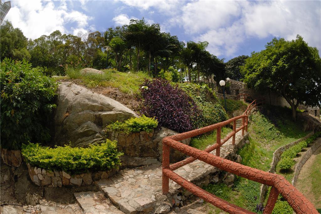 Monument Garden