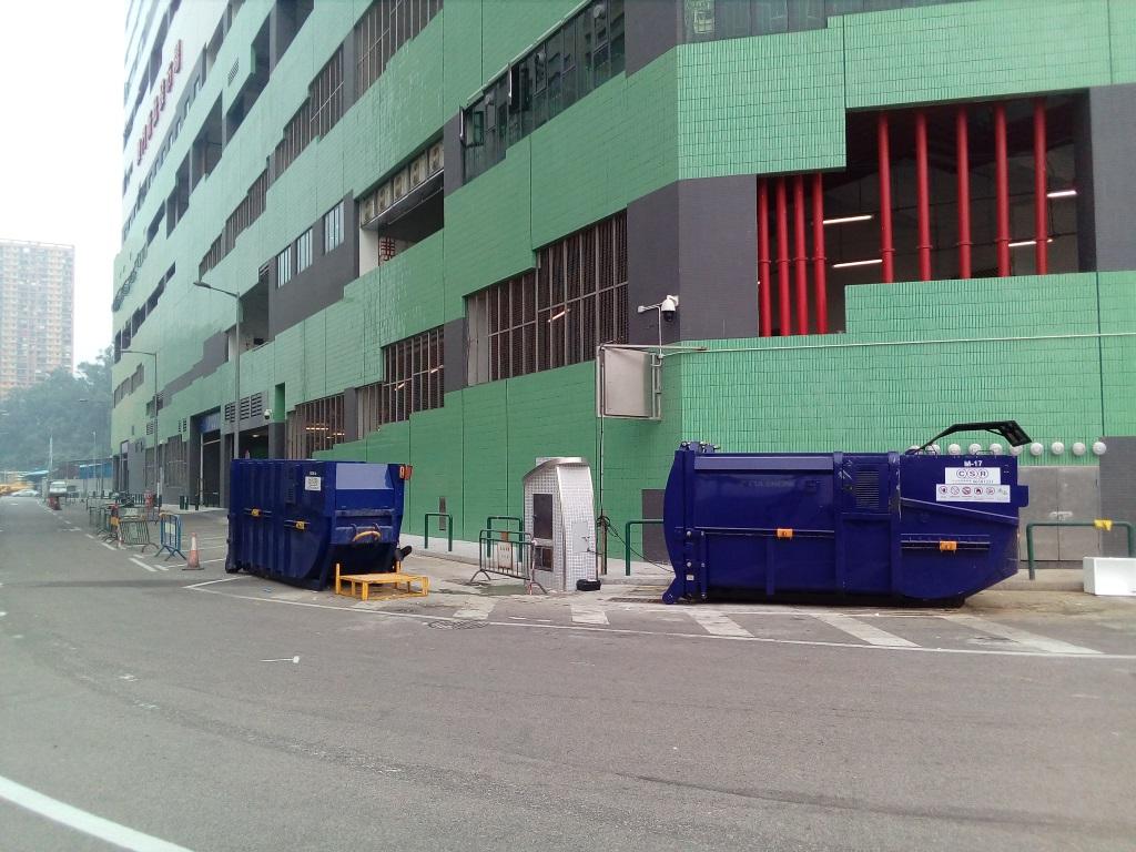 M64 Compacting trash bin at intersection of Avenida do Parque Industrial(Outside Macau Wholesale Market-1)