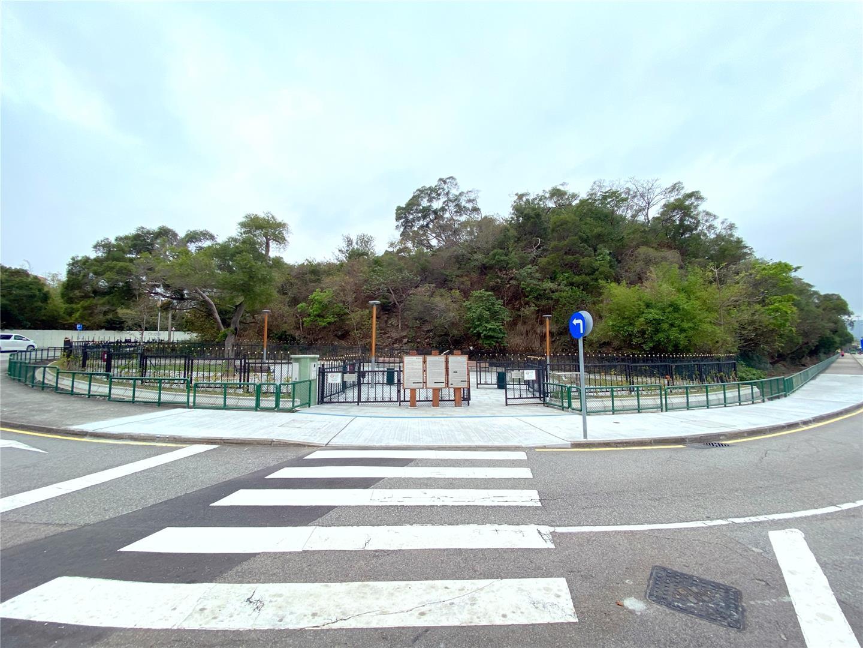 Dog Park in Estrada Almirante Marques Esparteiro