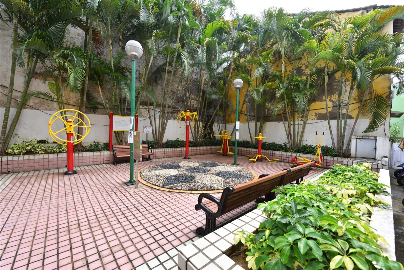 Temporary Leisure Area in Beco da Ostra