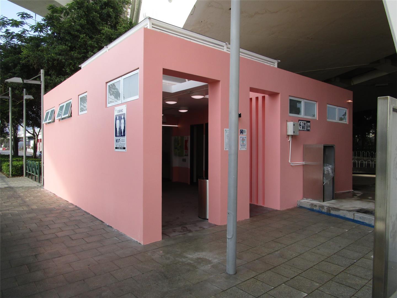 M37 Public toilet at San Van Bridge Leisure Area