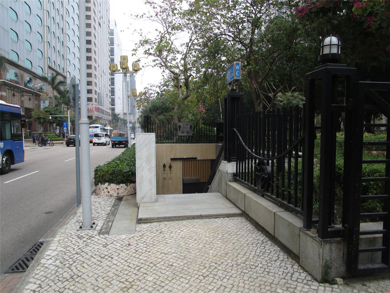 M36 Public toilet at Alameda Dutor Carlos d'Assumpção