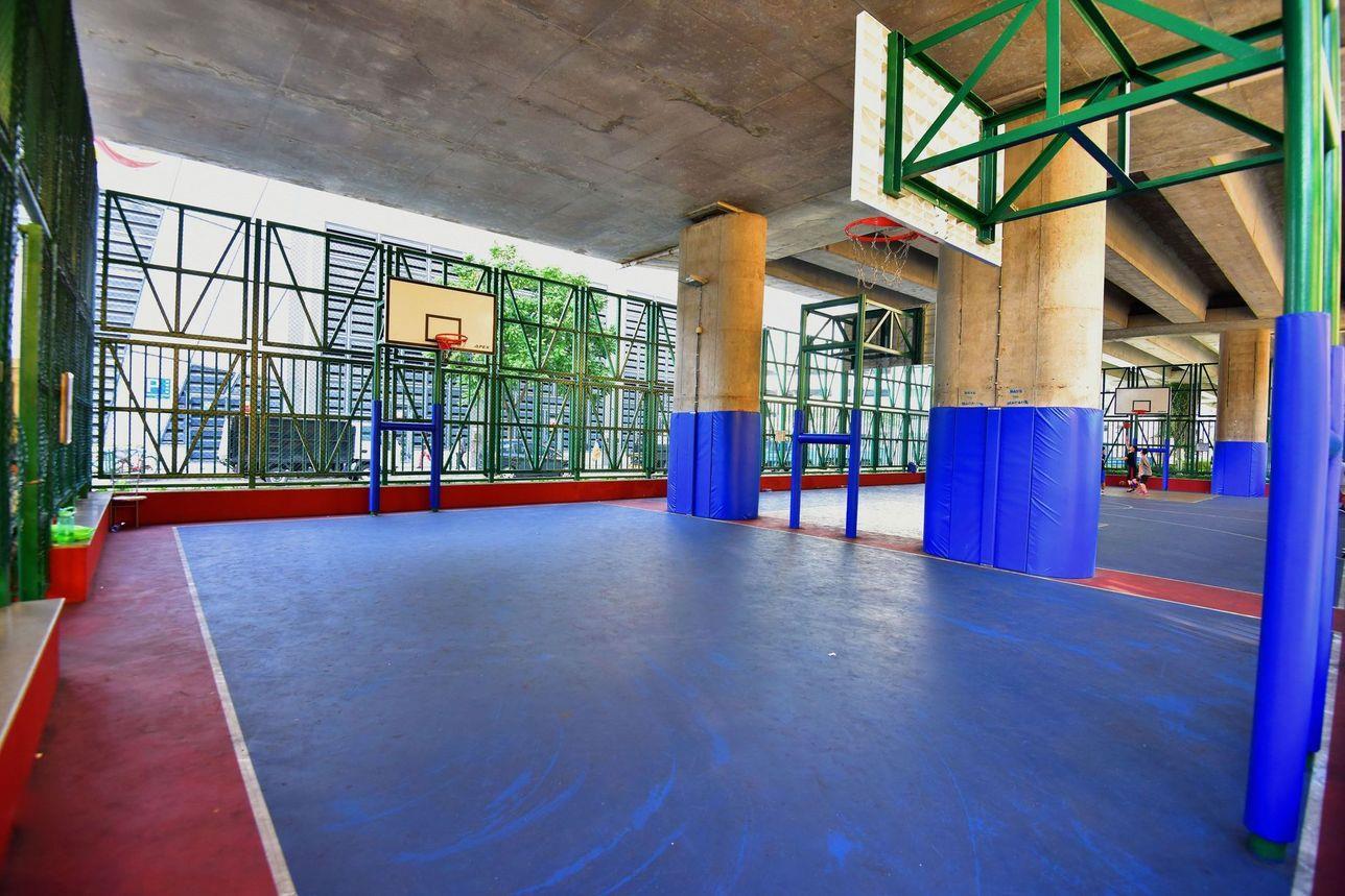 Free Sports Ground in Avenida do Comendador Ho Yin